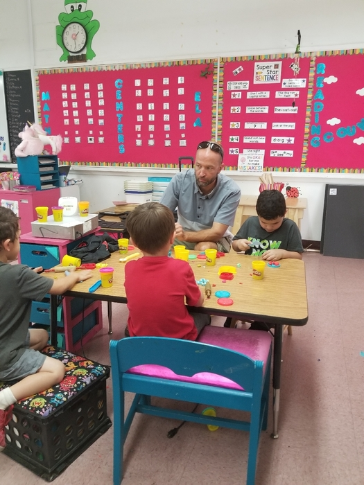 Mr. MacLeod creating with TK2 today during readi g centers