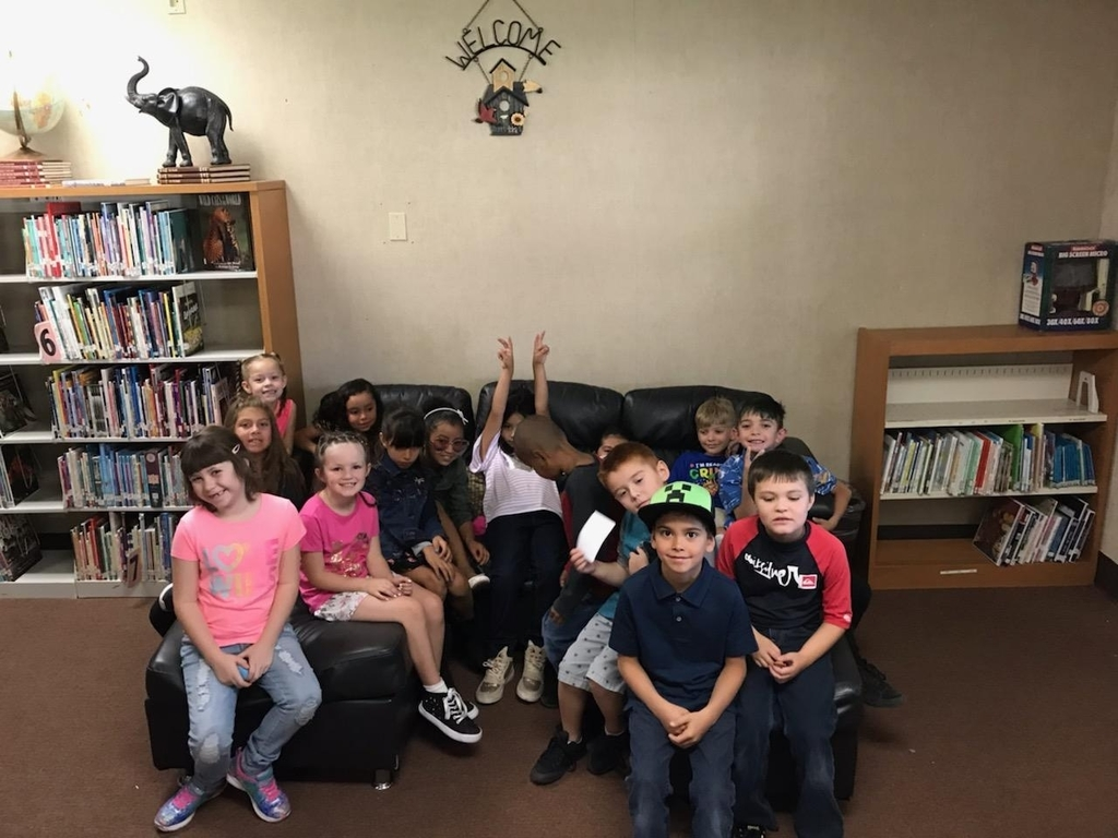 library visit by 2nd grade